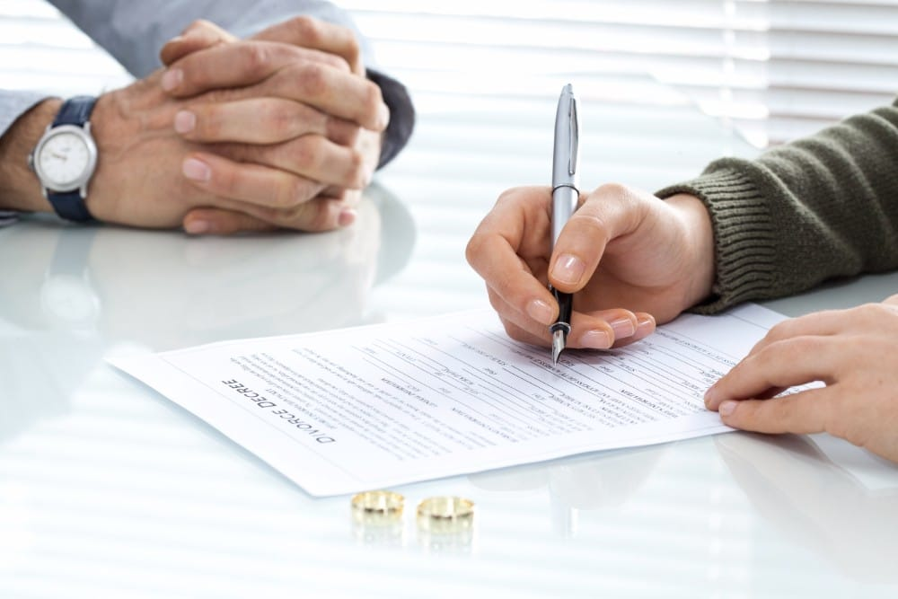 Complete guide to divorce in missouri the process to obtaining a legal separation in missouri usually involves two types of divorces a contested and uncontested divorce solutioingenieria Gallery